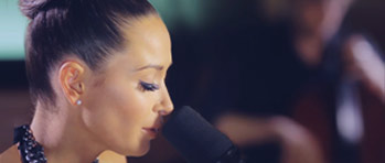 MANDY CAPRISTO » CLOSER (ACOUSTIC VERSION)